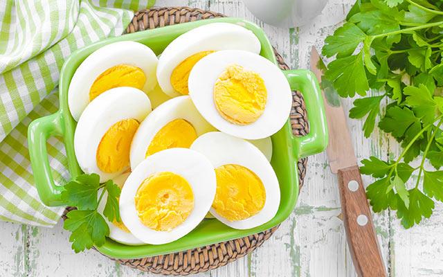 Hard Boiled and Peeled Eggs